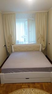 Ліжко Бегонія ультра (Дуб Щит)