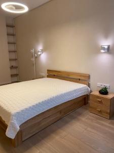 Ліжко Бруно (Дуб Масив)